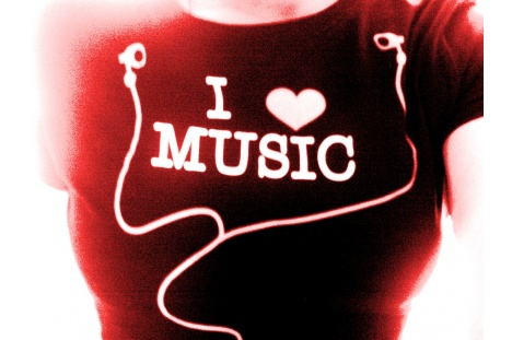 i_love_music_by_disenchantedkaru_wallpaper-t2